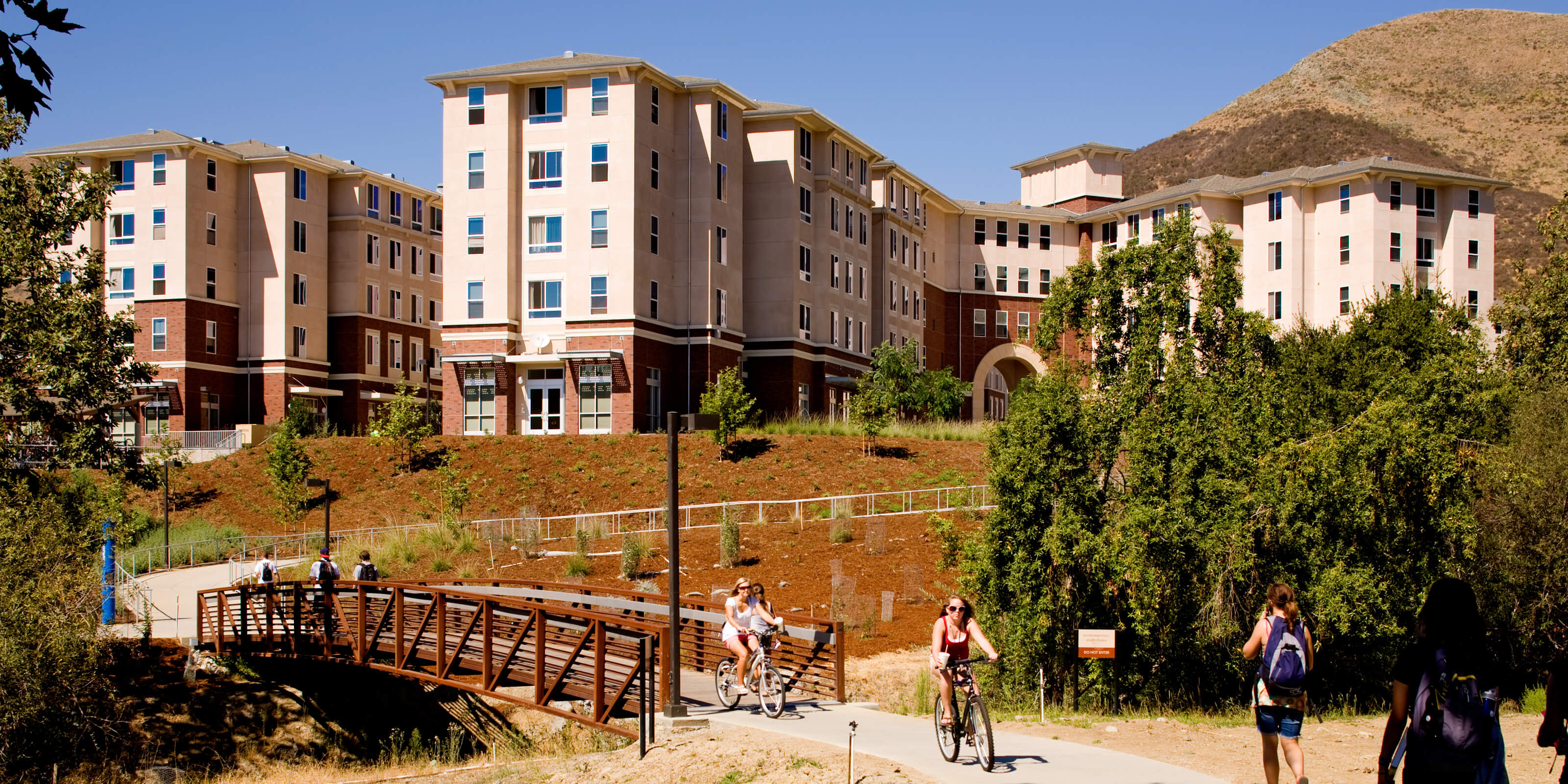 Envisioned As A Town Center For Student Living The New Housing Brings Apartment Style On Campus Poly Canyon Village Is Leed Gold Certified